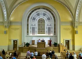 firstchurch_interior_280x200